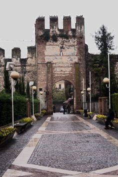 Mura di Lazise (historic walled city, visit on market day) - Lazise