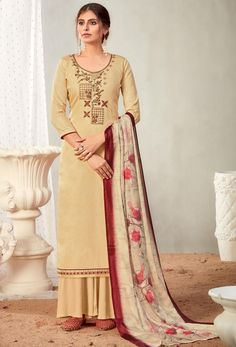 #Cotton #fabric is the #best #fabric in any #weathers, cotton #salwar #kameez is the best choice for any #girls or #womens, #Nikvik is the #bestseller of cotton salwar #suits in #USA #AUSTRALIA #CANADA #UAE #UK Pakistani Salwar Kameez, Pakistani Suits, Sharara Suit, Indian Suits, Salwar Suits, Palazzo Suit, Back Neck Designs, How To Dye Fabric, Traditional Dresses