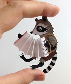Saved by Magic Suitcase on Designspiration. Discover more Paper Magic Figure Raccoon Accordion inspiration. Kirigami, Paper Puppets, Paper Toys, Paper Paper, Bandeau Crochet, Arte Pop Up, Cut Paper Illustration, Papier Diy, Origami Paper Art