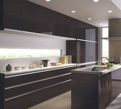 【施行例】LIXIL「アレスタ」のカップボード♪:システムキッチン・流し台・バス・トイレがお得 Kitchen Dining, Kitchen Cabinets, Home Reno, Interior Design Kitchen, Cool Kitchens, My House, House Plans, House Design, Room