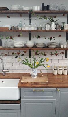 Wooden Shelves Kitchen, Rustic Shelves, Rustic Kitchen, New Kitchen, Kitchen Decor, Shelves With Brackets, Industrial Shelving Kitchen, Kitchen Pantry, Open Shelving