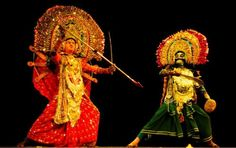 The Chhau dance of West Bengal originated in the Purulia district, near the border with Jharkhand. This is a sophisticated and provocative dance form, celebrated on the occasion of the Sun festival during the month of Chaitra according to the Bengali calendar.  To Read More visit : http://indiaheritagedesk.com/fading-the-boundaries/darjeeling-himalayan-railway/ Image Source : http://www.utsavpedia.com/wp-content/uploads/2015/07/1.-httpwww.pinterest.compin406661041326847107.jpg