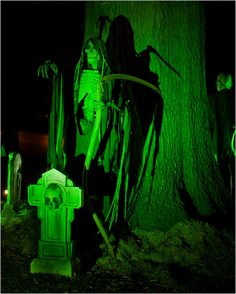 halloween yard haunt | Terror at the Talley House: The Previewing