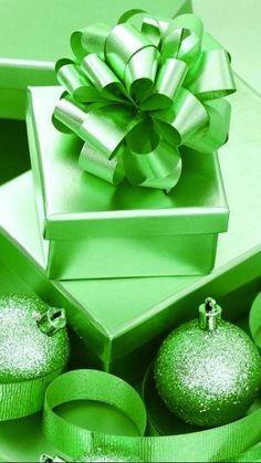 bulbs and bow Green Christmas, All Things Christmas, Christmas Meme, World Of Color, Color Of Life, Go Green, Green Colors, Aesthetic Colors, Aesthetic Green