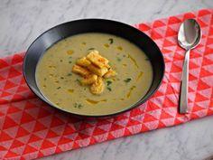 Creamy zucchini soup with Boursin - Küken Cajun Recipes, Soup Recipes, Vegetarian Recipes, Healthy Recipes, Creamy Zucchini Soup, Tapas, Lunch Restaurants, Green Bean Recipes, Blueberry Recipes