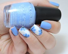 Nailstorming - Spring - Floral nails - blue flowers - free hand - nailart