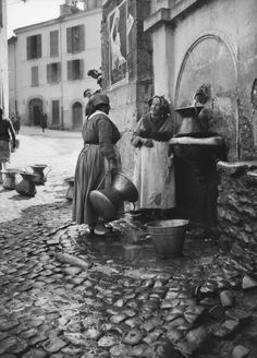 E.O. Hoppé. Fountain at Narni, Italy, Umbria, 1934