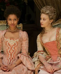 Gugu Mbatha-Raw and Sarah Gadon as Dido Elizabeth Belle and her cousin Lady Elizabeth Murray in the 2013 film Belle. Period Costumes, Movie Costumes, Historical Costume, Historical Clothing, Moda Lolita, Sarah Gadon, Rococo Fashion, Period Movies, Period Dramas