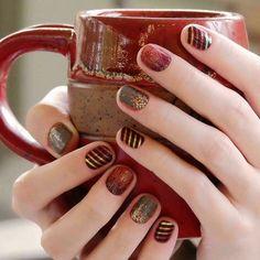 Gorgeous autumn nails #mixedmani #autumnromancejn #appleciderjn #harvestgoldjn #jamberrywraps