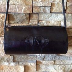 Vintage Mondi Black Leather Barrel Bag Purse Shoulderbag on Etsy, $21.00