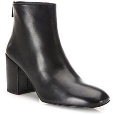Stuart Weitzman Bacari Leather Block-Heel Booties (1.539.300 COP) ❤ liked on Polyvore featuring shoes, boots, ankle booties, short boots, genuine leather boots, leather ankle booties, real leather boots and stuart weitzman bootie