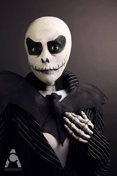 awesome jack skellington makeup. This looks a lot better than the Jack at Disneyland!
