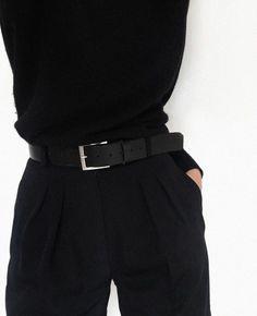 Мне ремни тоже очень нравятся всегда ношу один с простой пряжкой
