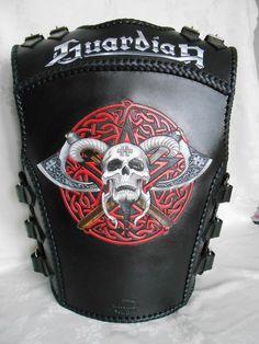 Leather Biker Vest, Leather Armor, Vetement Hip Hop, Celtic Tattoos For Men, Bike Leathers, Skull Artwork, Mens Gear, Chopper, Golf Bags