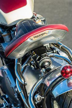 Triumph Bobber Custom, Triumph Bikes, Triumph Bonneville, Triumph Motorcycles, Custom Motorcycles, Custom Bikes, Bobber Seat, Bobber Motorcycle, Fiat 500