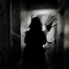 Medo, a resposta à percepção do perigo, frequente quando nos cruzamos ou estamos com desconhecidos em sítios isolados, sem possibilidade de pedir socorro