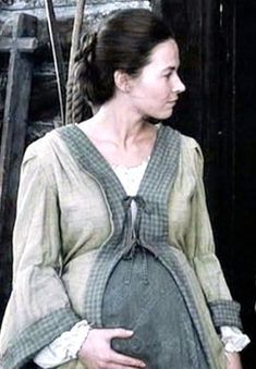 Kate Middleton is clearly not the first woman to ever be pregnant: Take a look at maternity fashion from the last few hundred years. Maternity Wear, Maternity Fashion, Maternity Style, Pregnancy Costumes, Maternity Costumes, Vintage Dresses, Vintage Outfits, Vintage Clothing, Period Outfit