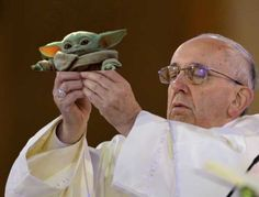 """Cute Baby Yoda Memes Because The Internet Can't Even - Funny memes that """"GET IT"""" and want you to too. Get the latest funniest memes and keep up what is going on in the meme-o-sphere. Star Wars Meme, Disney Memes, Funny Babies, Cute Babies, Yoda Quotes, Yoda Meme, Yoda Funny, Because The Internet, Cartoon Memes"""