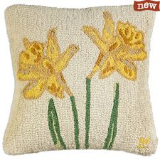 """Daffodil Twins 18"""" Hooked Pillow"""