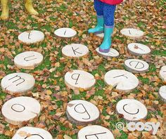 ALPHABET STEPPING WOODEN DISCS ≈