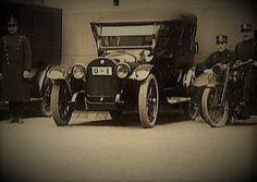 Bergens første bil, Windhof 1908 mod,O-1 Foto: Parkert utenfor det gamle tinghus.