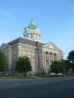 Pulaski, TN! I live here! This is the courthouse!