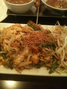 Penang Malaysian restaurant in Philadelphia.....great food!  http://penangusa.com/backup/archive082205/location_philly.html