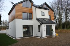 Silva Timber supplied Western Red Cedar cladding and decking materials for a contemporary self build property in Hexham, Northumberland. The project specifi. Cedar Cladding House, Western Red Cedar Cladding, Larch Cladding, Fence Panels Uk, Composite Cladding, Composite Decking, Bungalow Homes, Bungalow Exterior, Exterior Homes