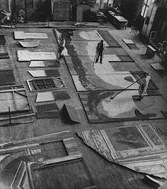 """Painting the set for """"The Cabinet Of Dr Caligari"""", 1920 Dr Caligari, Silent Horror, Silent Film, Kandinsky, German Expressionism Film, Image Film, Stage Design, Set Design, Expositions"""