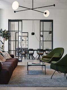 Joanna Laajisto suunnitteli palvelumuotoiluyritys Fjordille uudet toimitilat Helsinkiin, ja tuloksena on tyylikäs ja lämminhenkinen toimisto, jossa työntekijät viihtyvät myös vapaa-ajalla.
