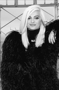 (*) Twitter Bebe Rexha, Demi Lovato, Girl Crushes, New Hair, Hair Inspiration, Singers, Short Hair Styles, Idol, Fandom