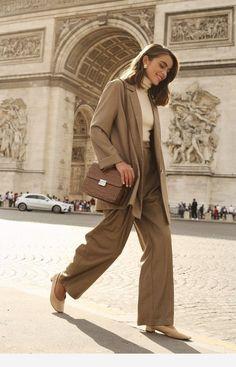 Outfit ideen – Mode Jesienna garderoba w stylu francuskim Looks Street Style, Looks Style, My Style, French Style, Fashion Moda, Work Fashion, Womens Fashion, Mode Outfits, Winter Outfits