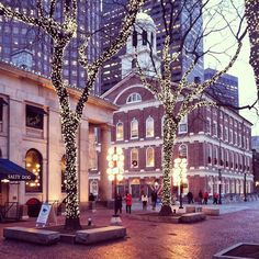 How I miss this place ❤ Faneuil Hall Marketplace in Boston, MA. New England Travel, New England Style, Boston Strong, In Boston, Boston Town, Boston Winter, Boston Area, England Winter, England Uk