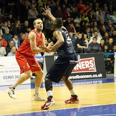 Saturday night in the BBL Championship saw a shuffling of the pack in the top four as Leicester Riders and Worcester Wolves both bounced back from defeats.  Riders did so emphatically, to go clear at the summit of the table, as 20 points from Tyler Bernardini led them to a 77-56 win over Sheffield S
