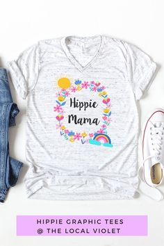 Our cute hippie mom shirt will brighten up your outfit! Hippie T Shirts, Hippie Tops, Hippie Style, Hippie Outfits, Mom Outfits, Hippie Mama, Hippie Fashion, Mama Shirt, Women Empowerment