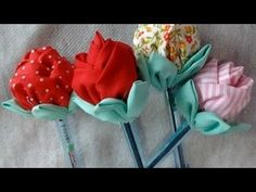 Caneta Com Ponteira De Rosa/ Rosa De Tecido - Free Online Videos Best Movies TV shows - Faceclips Cloth Flowers, Fabric Roses, Fabric Ribbon, Diy Flowers, Rosa Pullover, How To Make Rose, Cute Sewing Projects, Crochet Rug Patterns, Ribbon Work
