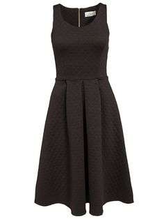 Pleated Midi Dress - Closet - Svart - Festklänningar - Kläder - Kvinna - Nelly.com