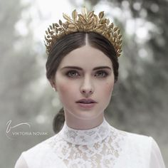 """""""Thank you for the love @weddingdream xx VN  RG @weddingdream """"Up next is this gorgeous headpiece that caught our attention! Elegant and exquisite, we…"""""""