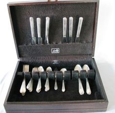 ANTIQUE HOLMES TUTTLE H&T WENTWORTH INT'L SILVER PLATE FLATWARE SET IN BOX 1938 #HolmesTUTTLE