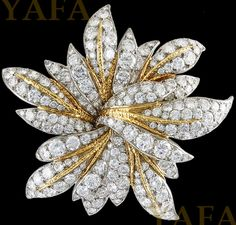 Beautifully Designed Diamond and Gold Flower Brooch