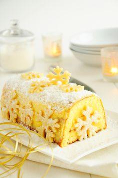 Buche à l'amande blanche, crème de citron et coco