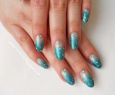 Sinistä sateella (via shiny-nailart.blogspot.com)