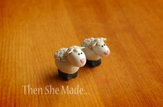 Then she made.: Nativity Tutorial - Lamb - add horns and walla a goat! Sculpey Clay, Polymer Clay Projects, Polymer Clay Miniatures, Polymer Clay Creations, Christmas Nativity, Christmas Crafts, Christmas Ideas, Christmas Clay, Christmas Things