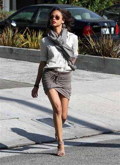 Zoe Saldana in Neutral Grey Fashion Grey Fashion, Cute Fashion, Look Fashion, Womens Fashion, Fashion Trends, Street Fashion, Looks Street Style, Bold And The Beautiful, Zoe Saldana