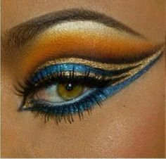 Egyptian eye make up Egyptian Eye Makeup, Egypt Makeup, Cleopatra Makeup, Egyptian Party, Cleopatra Costume, Egyptian Costume Kids, Egyptian Wedding Dress, Exotic Eye Makeup, Nefertiti Costume