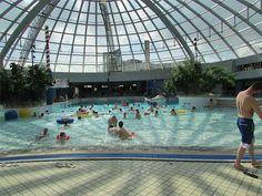 Zwemparadijs: Dit zijn de leukste in Nederland   Lady Lemonade Holidays With Kids, Preston, Aqua, Europe, Swimming, Culture, Amsterdam Netherlands, Photography, Travel