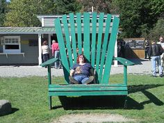 My Trip to Vermont. They have one of these big chairs in every town.
