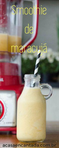 Receita de smoothie de maracujá super refrescante! PAra esta bebida cremosa além do maracujá temos bananas e abacaxi congelados! Faça esta receita de verão!