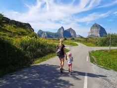 Vakre Helgeland er en flott reisedestinasjon på sommeren. Monument Valley, Country Roads, Mountains, Nature, Travel, Summer, Naturaleza, Viajes, Destinations