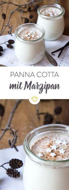 Diese Panna Cotta wird mit Marzipan und Zimt zubereitet und schmeckt Löffel für Löffel nach